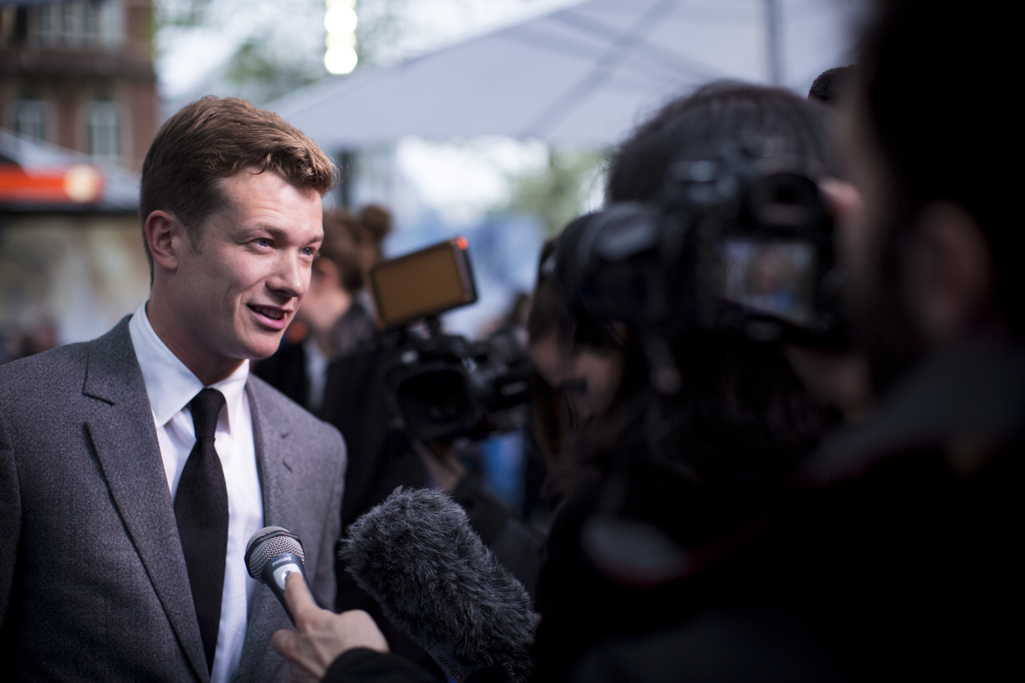 Ed Speleers at an event for Alice Through the Looking Glass (2016)