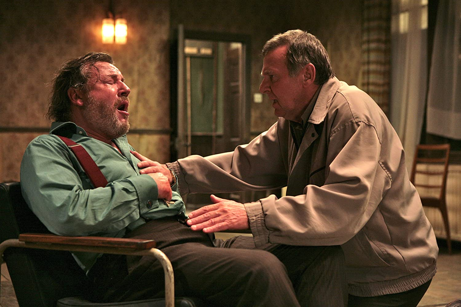 Tom Wilkinson and Ray Winstone in 44 Inch Chest (2009)
