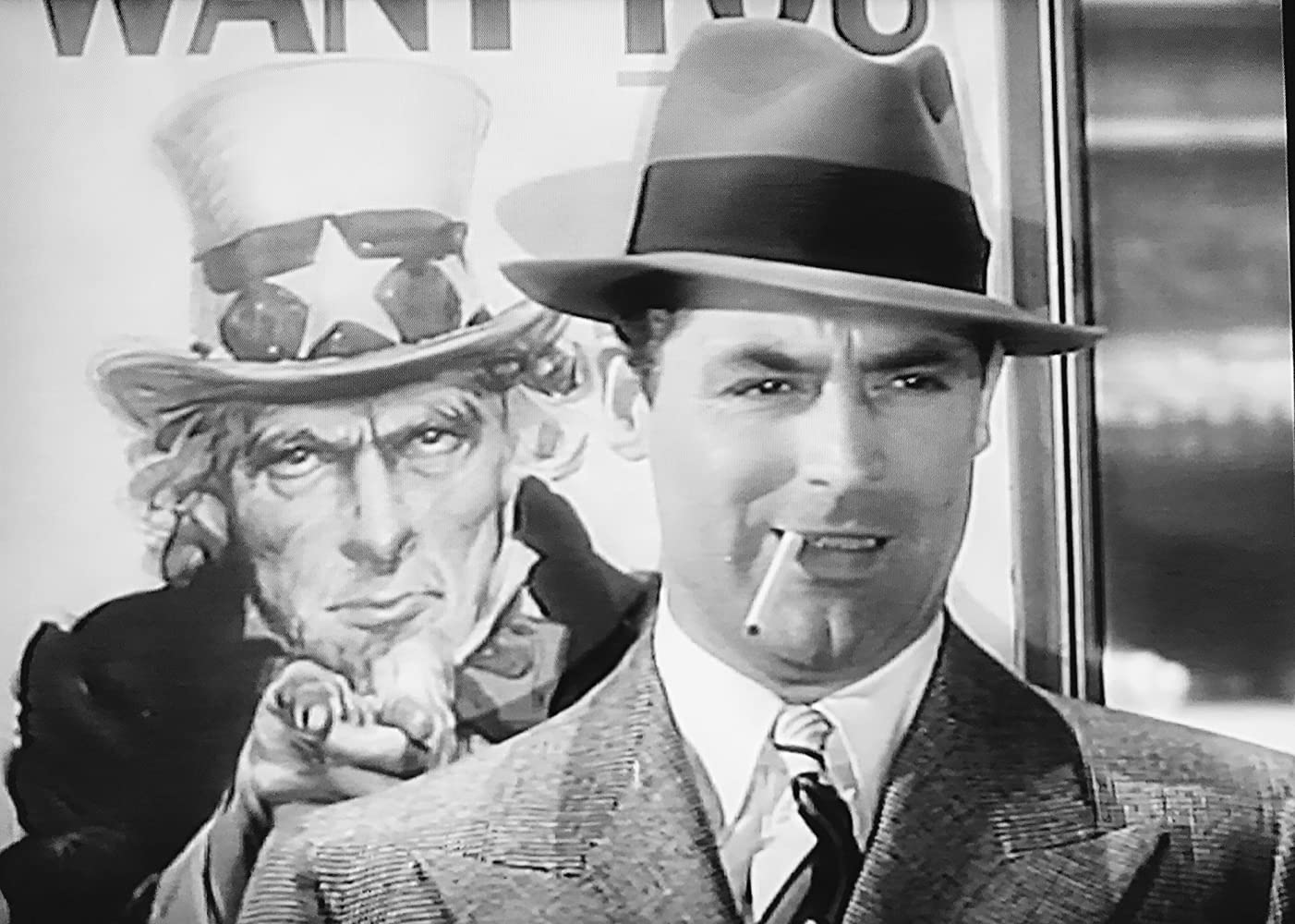 98253bd1fef3e Cary Grant in Mr. Lucky (1943)