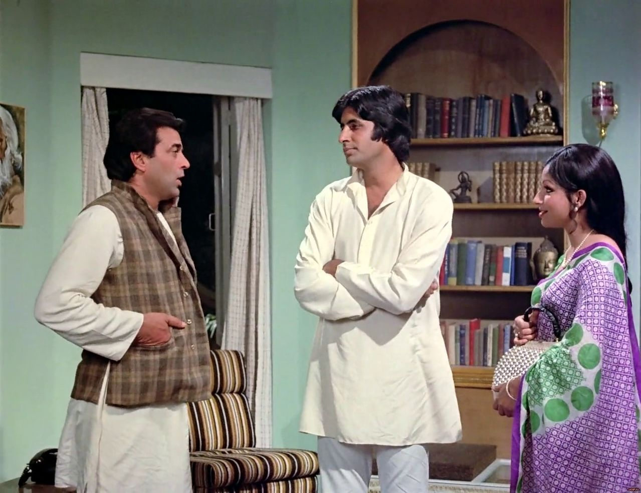 bollywood-ke-kisse-The-government-had-taken-the-support-of-Amitabh-Bachchan-and-Dharmendra-to-avoid-the-outbreak-of-solar-eclipse