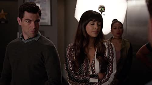 New Girl: Cece Has A Photo Shoot For One Of Her Clients