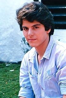 Ernesto Laguardia Picture