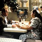 Philip Seymour Hoffman and Camryn Manheim in Happiness (1998)