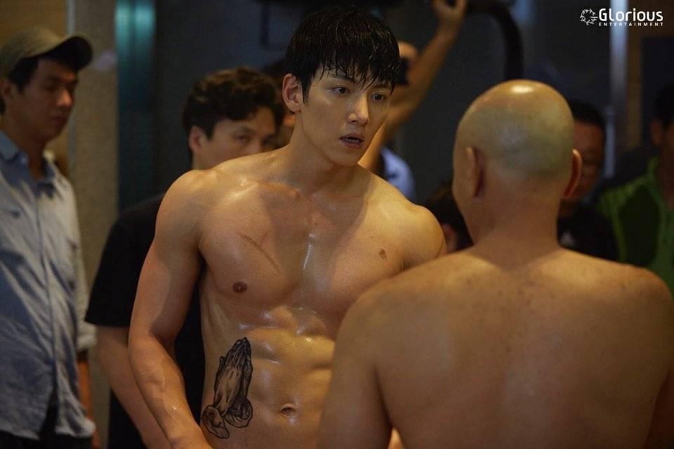 2 phim truyền hình Hàn no gạch đá vì để nam chính nude 100%: Có là Ji Chang Wook thì cũng phạt như thường - Ảnh 1.