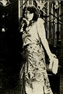 Lyda Salmonova Picture