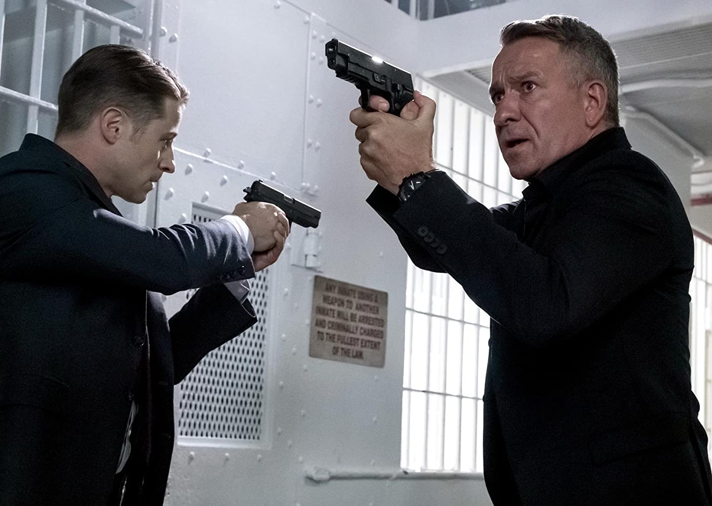 Sean Pertwee and Ben McKenzie in Gotham (2014)