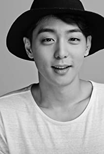 Hyun Woo Picture
