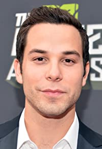 Primary photo for Skylar Astin