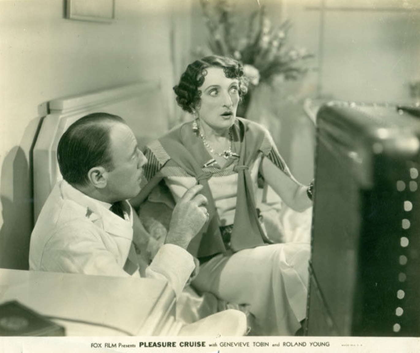 Una O'Connor and Roland Young in Pleasure Cruise (1933)
