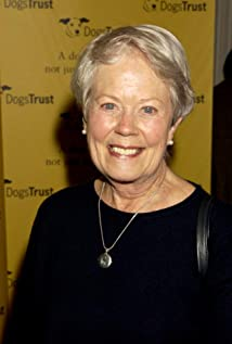 Annette Crosbie Picture