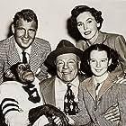 Maureen O'Sullivan, Charles Drake, Edmund Gwenn, Gigi Perreau, and Bonzo in Bonzo Goes to College (1952)