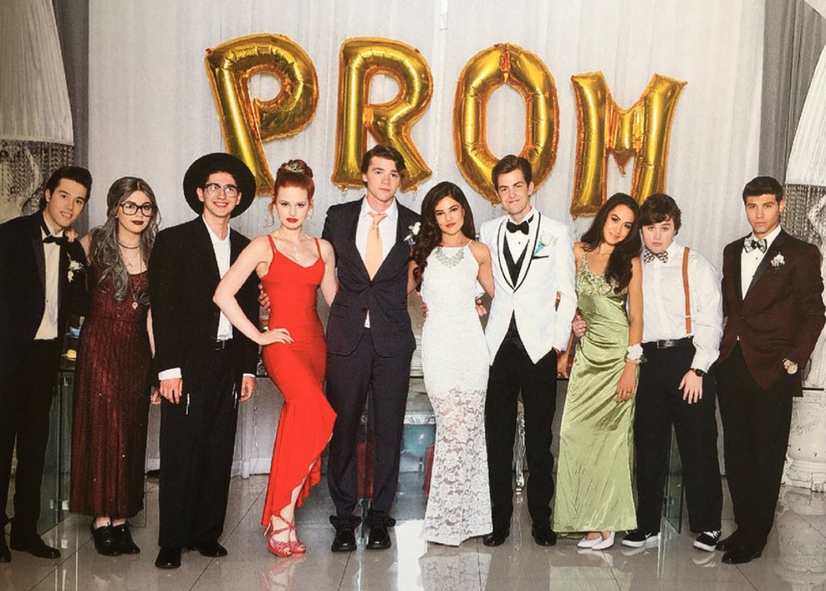 watch f the prom 2017