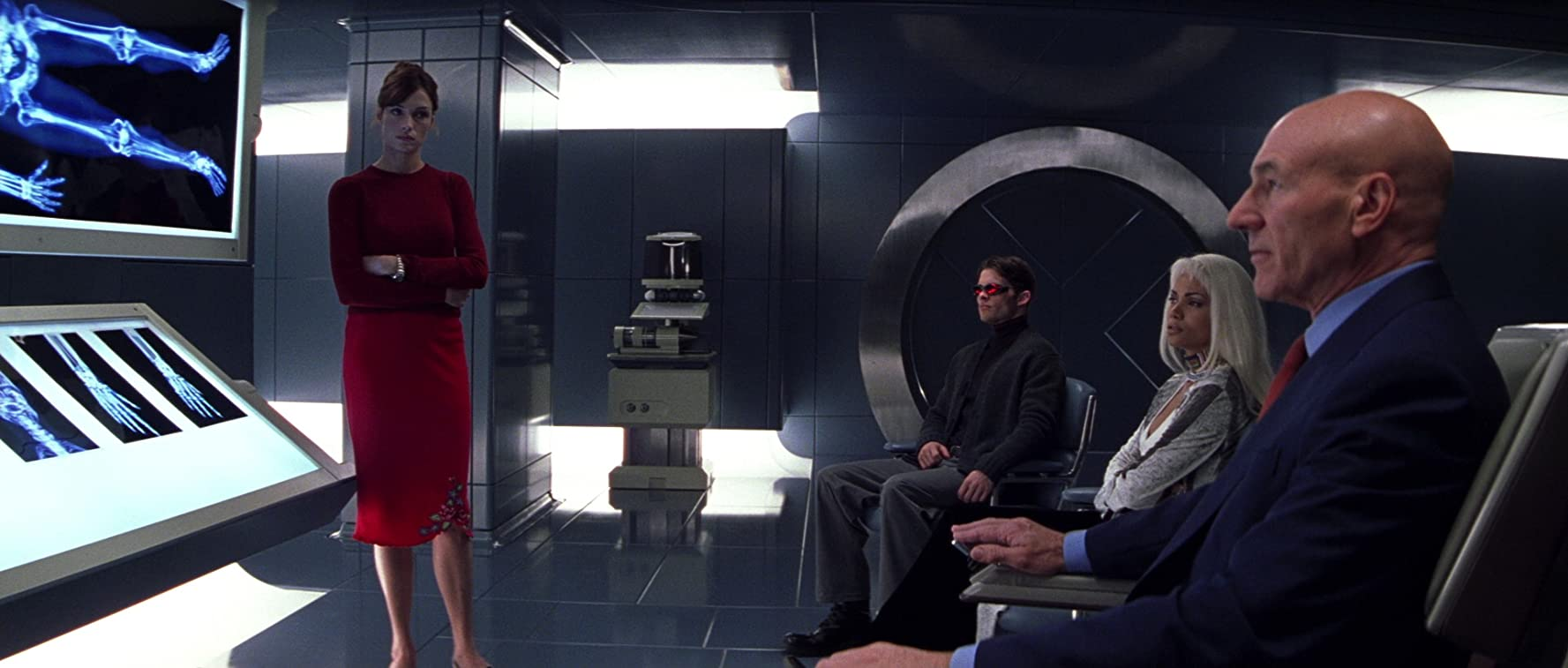 Famke Janssen, Halle Berry, Patrick Stewart, and James Marsden in X-Men (2000)
