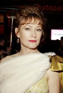 Ann Magnuson Picture