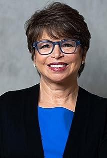 Valerie Jarrett Picture