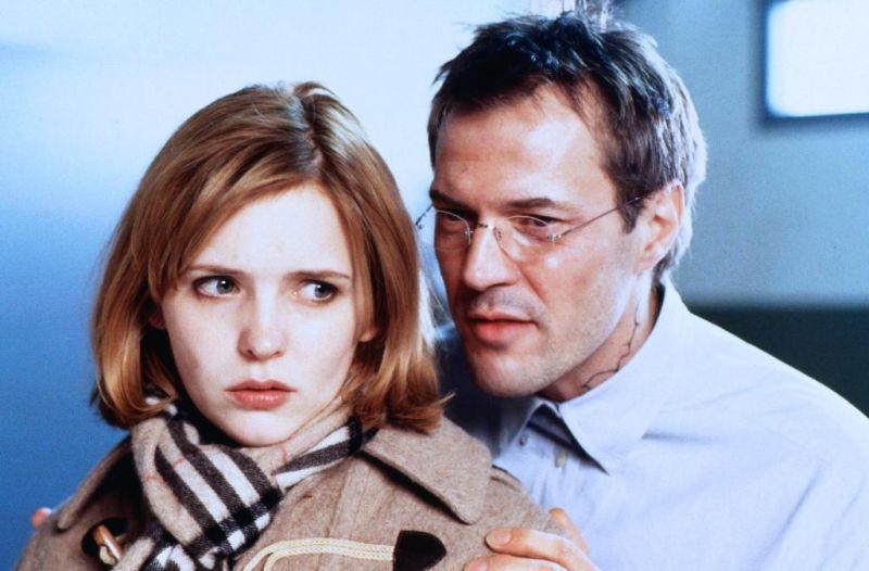 Sebastian Koch and Laura Tonke in Der Mörder meiner Mutter (1999)