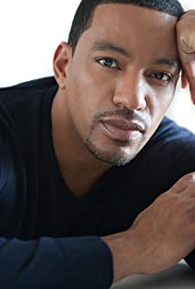 Laz Alonso Picture