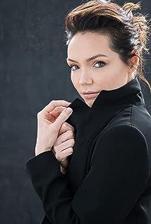 Katrina Lenk Picture