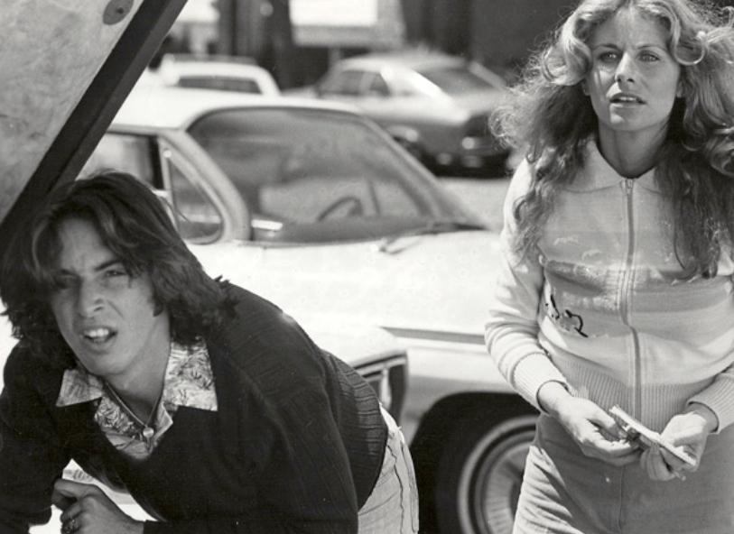 Robert Carradine and Belinda Balaski in Cannonball (1976)