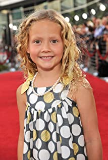 Iris Apatow Picture