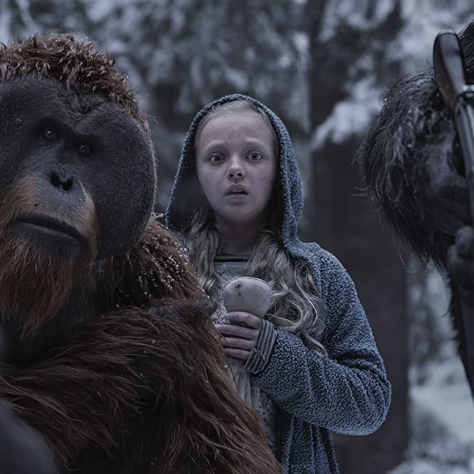 Karin Konoval and Amiah Miller in War for the Planet of the Apes (2017)
