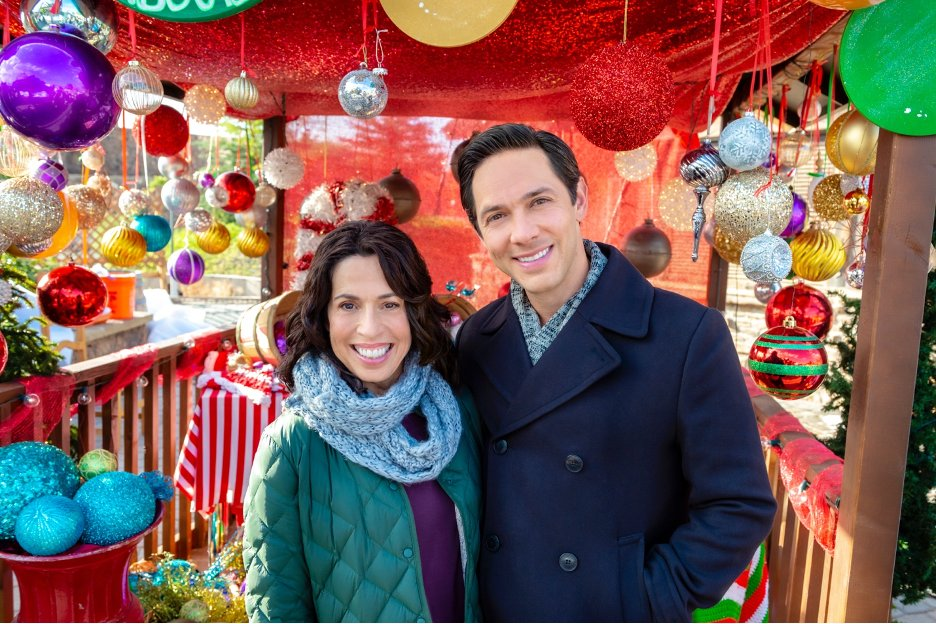 Joy Perry and Michael Rady in The Christmas Bow (2020)