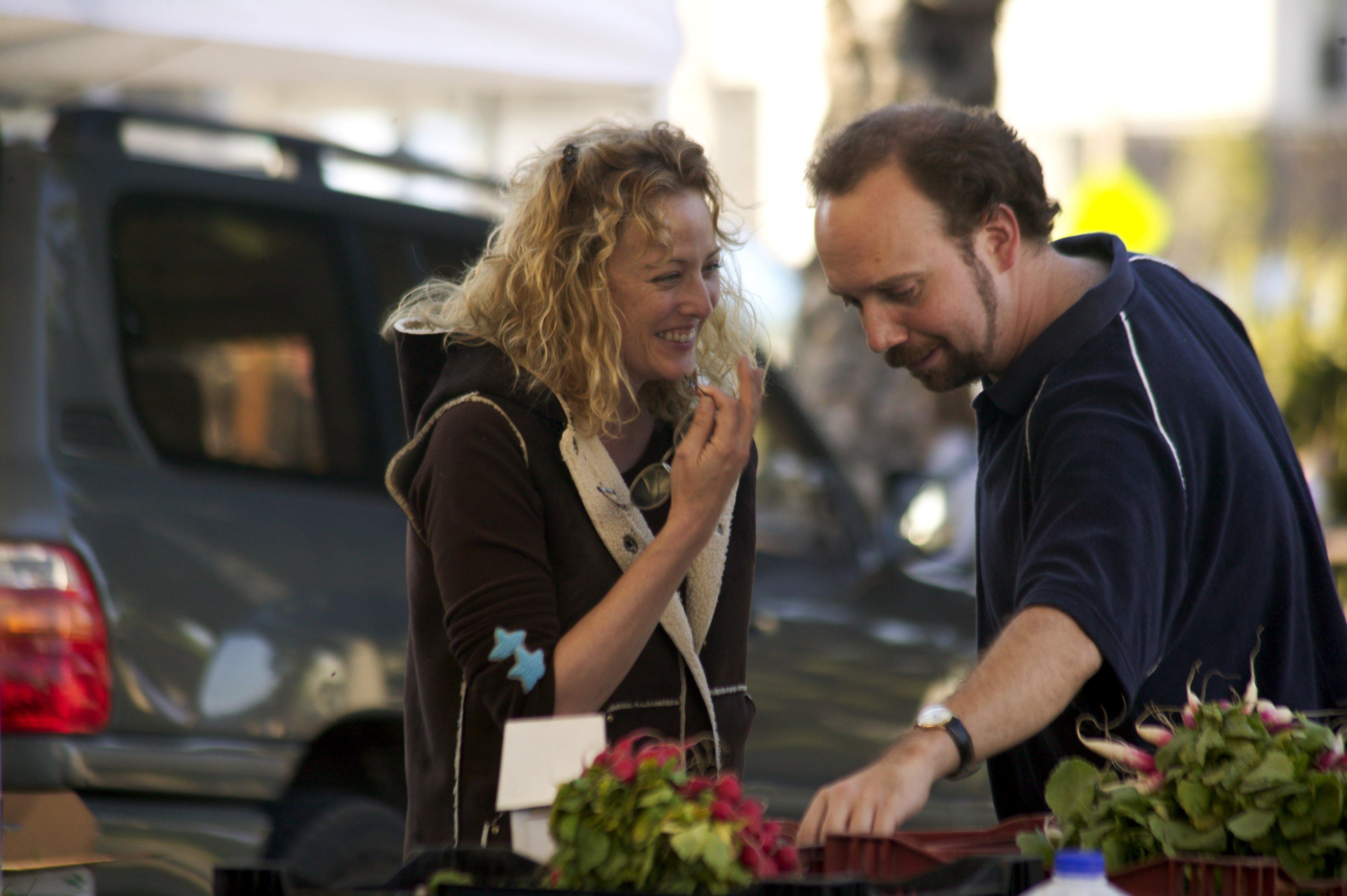 Virginia Madsen and Paul Giamatti in Sideways (2004)