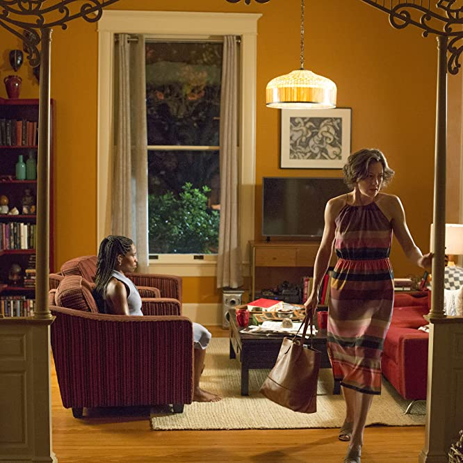 Regina King and Carrie Coon in The Leftovers (2014)