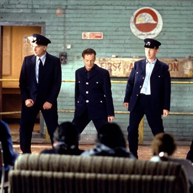 Robert Carlyle, Paul Barber, Steve Huison, Hugo Speer, and Tom Wilkinson in The Full Monty (1997)