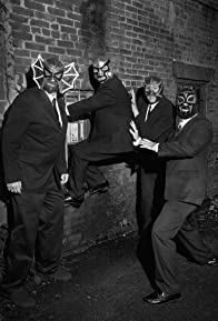 Primary photo for Los Straitjackets