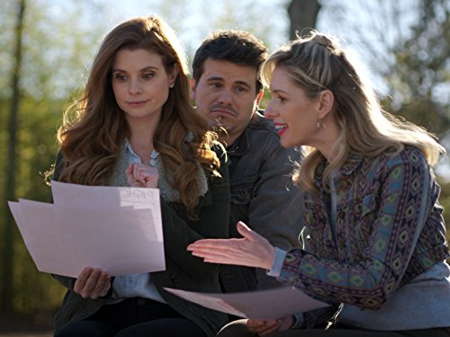 JoAnna Garcia Swisher, Jason Ritter, and Abbey McBride in Kevin (Probably) Saves the World (2017)