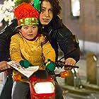 Mamoun Elyounoussi and Ebbie Tam in Het paard van Sinterklaas (2005)