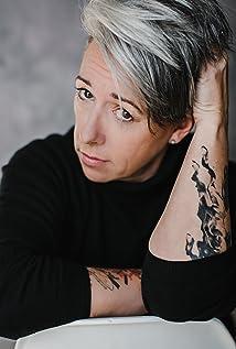 Lori Lozinski Picture