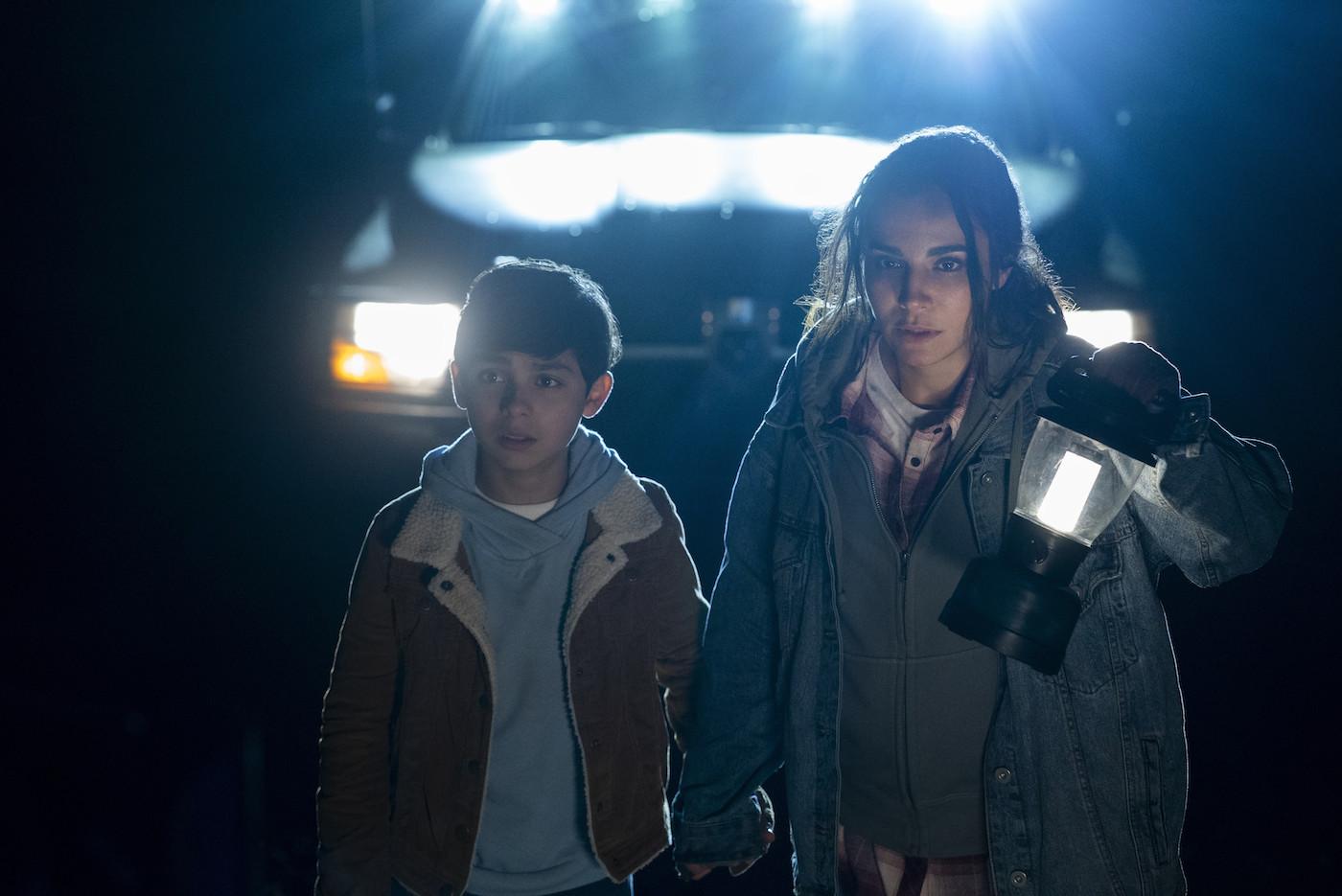 Martha Higareda and Ian Inigo in Into the Dark (2018)