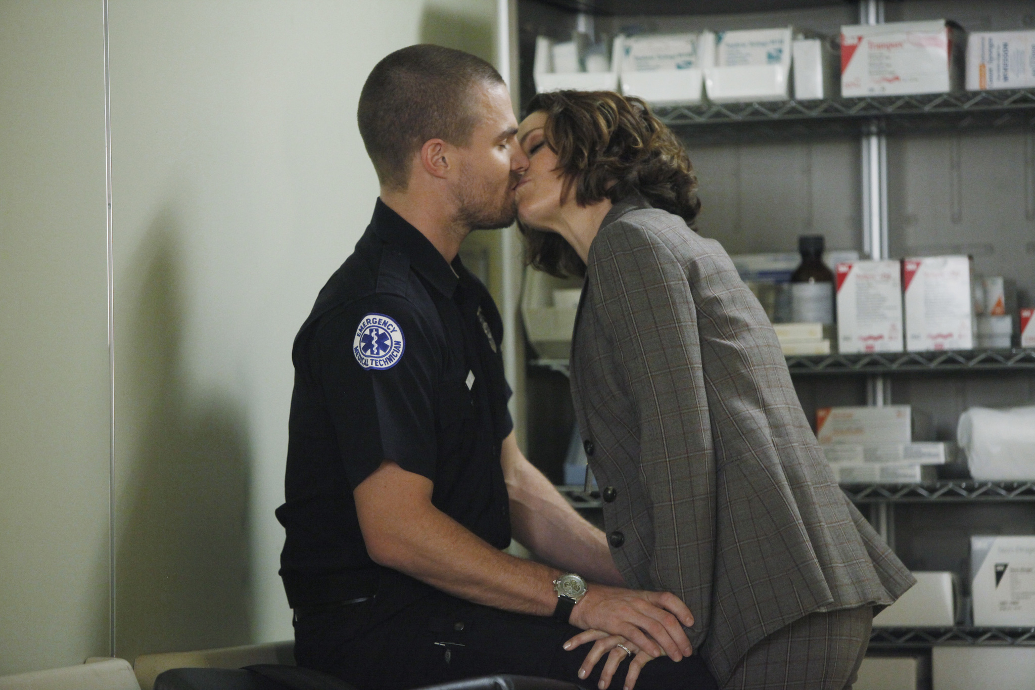 Amy Brenneman and Stephen Amell in Private Practice (2007)
