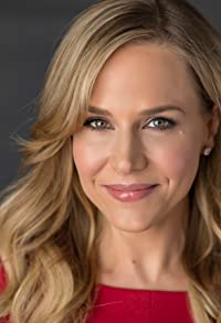 Primary photo for Julie Benz