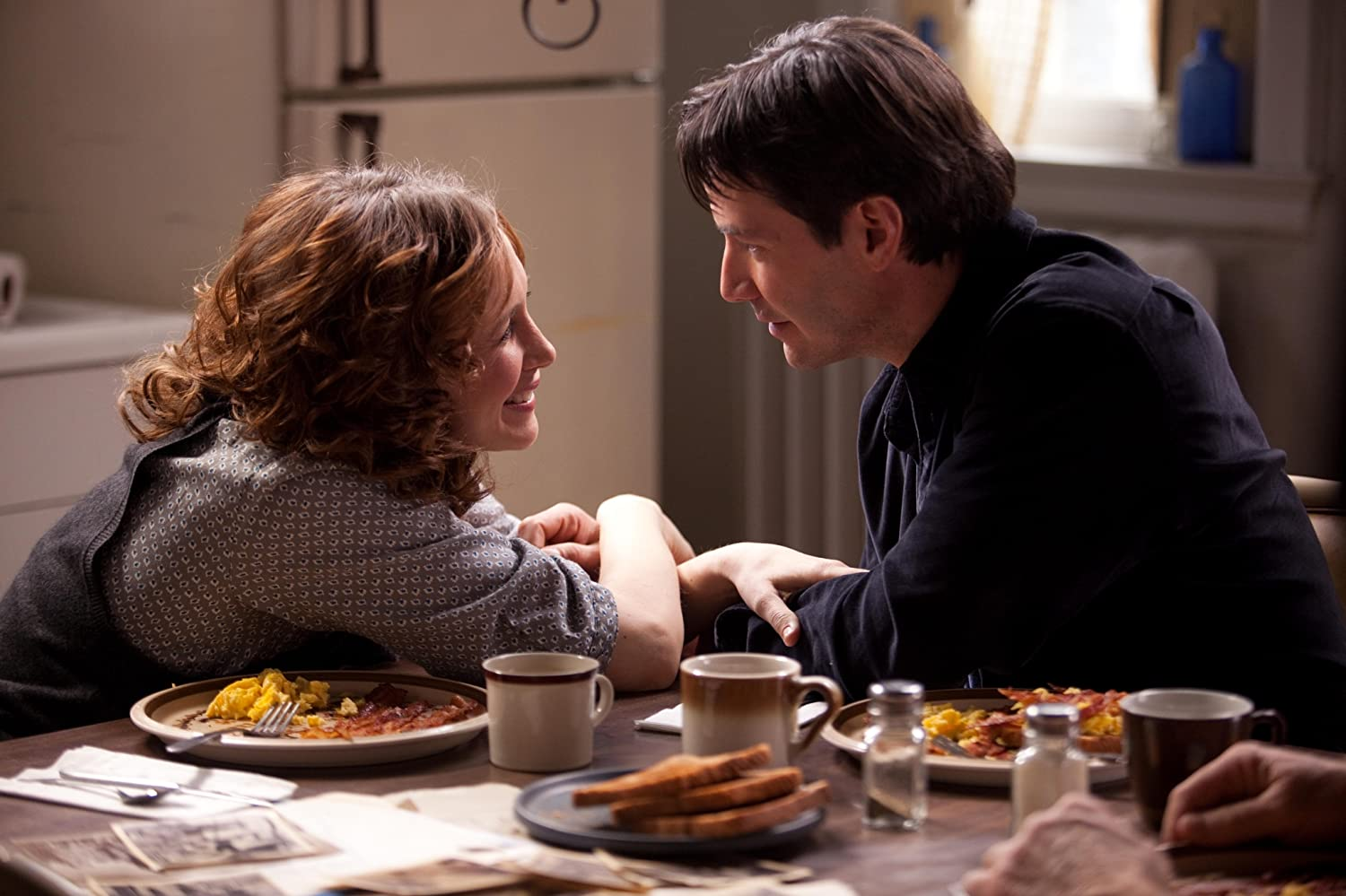 Keanu Reeves and Vera Farmiga in Henry's Crime (2010)