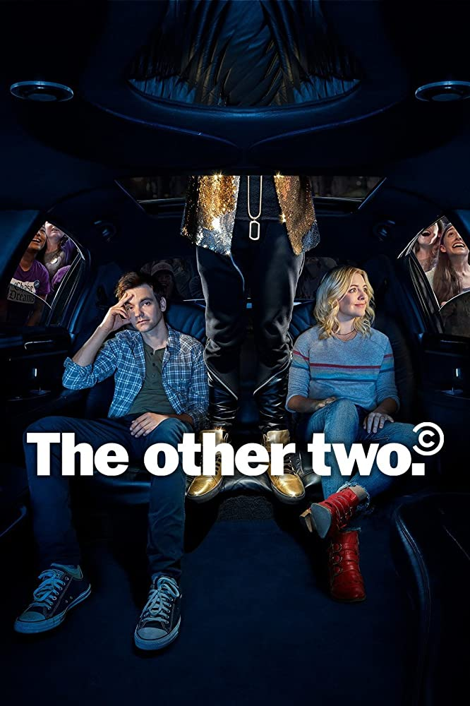 Drew Tarver and Heléne Yorke in The Other Two (2019)