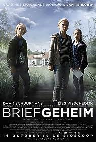 Hanna Obbeek, Nils Verkooijen, and Isabelle Stokkel in Briefgeheim (2010)