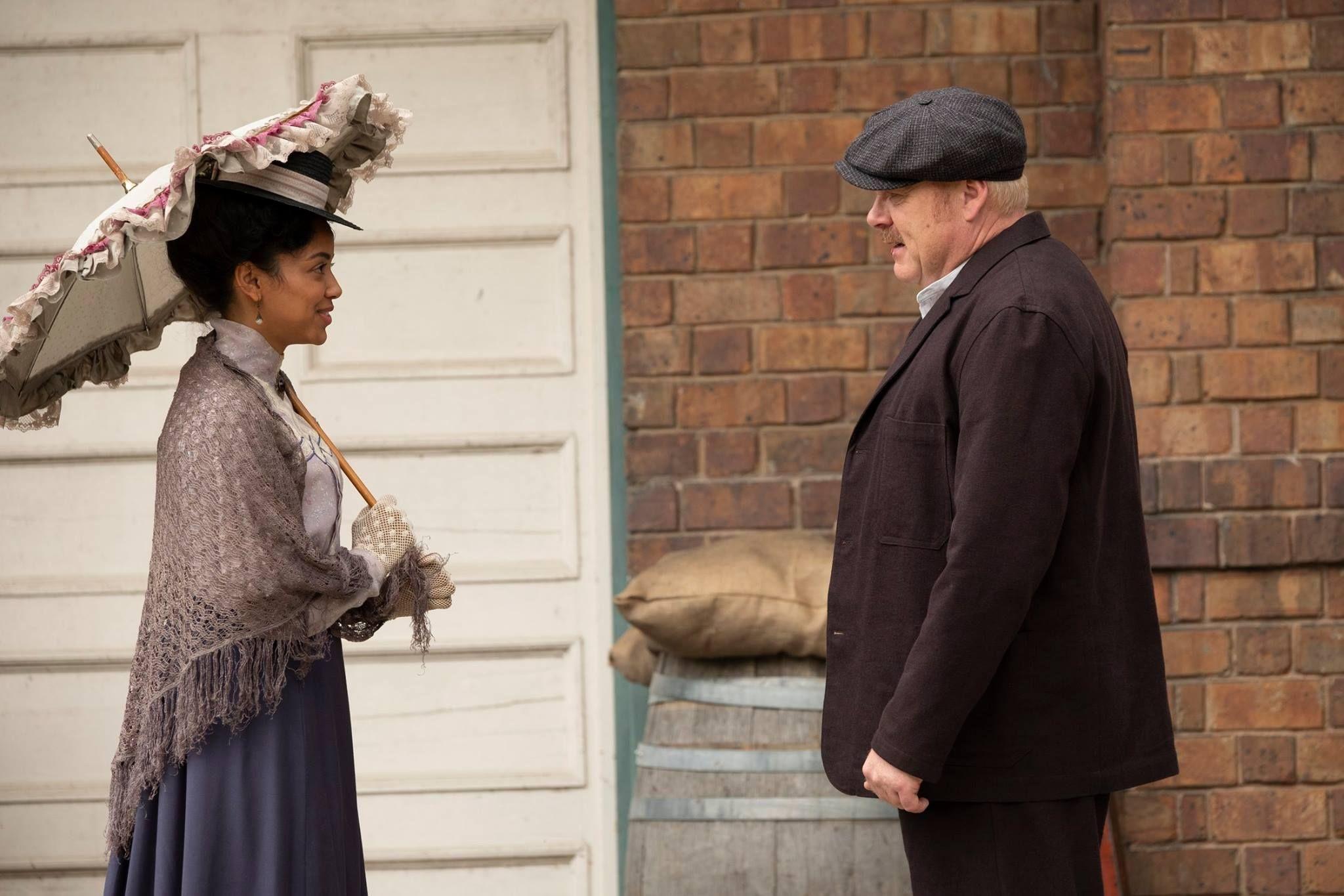 Thomas Craig and Shailene Garnett in Murdoch Mysteries (2008)