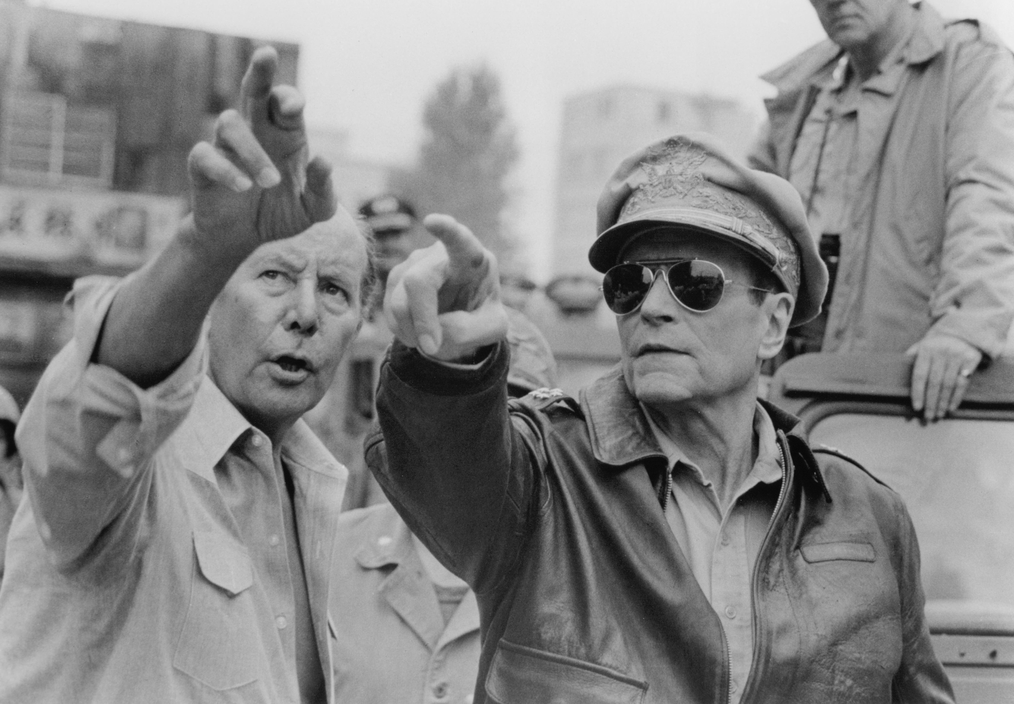 Laurence Olivier and Terence Young in Inchon (1981)