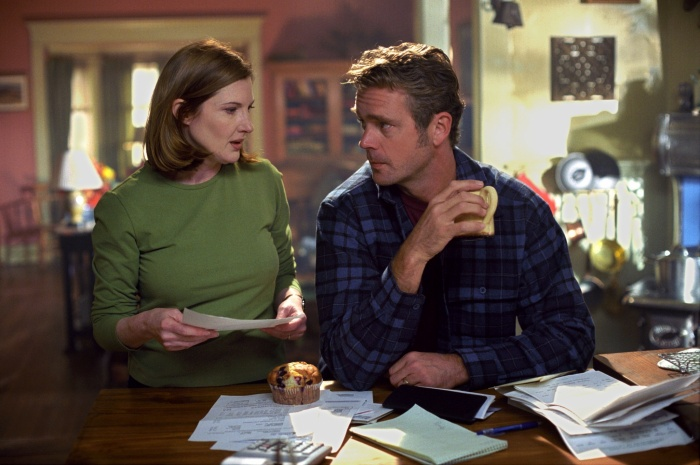 Annette O'Toole and John Schneider in Smallville (2001)