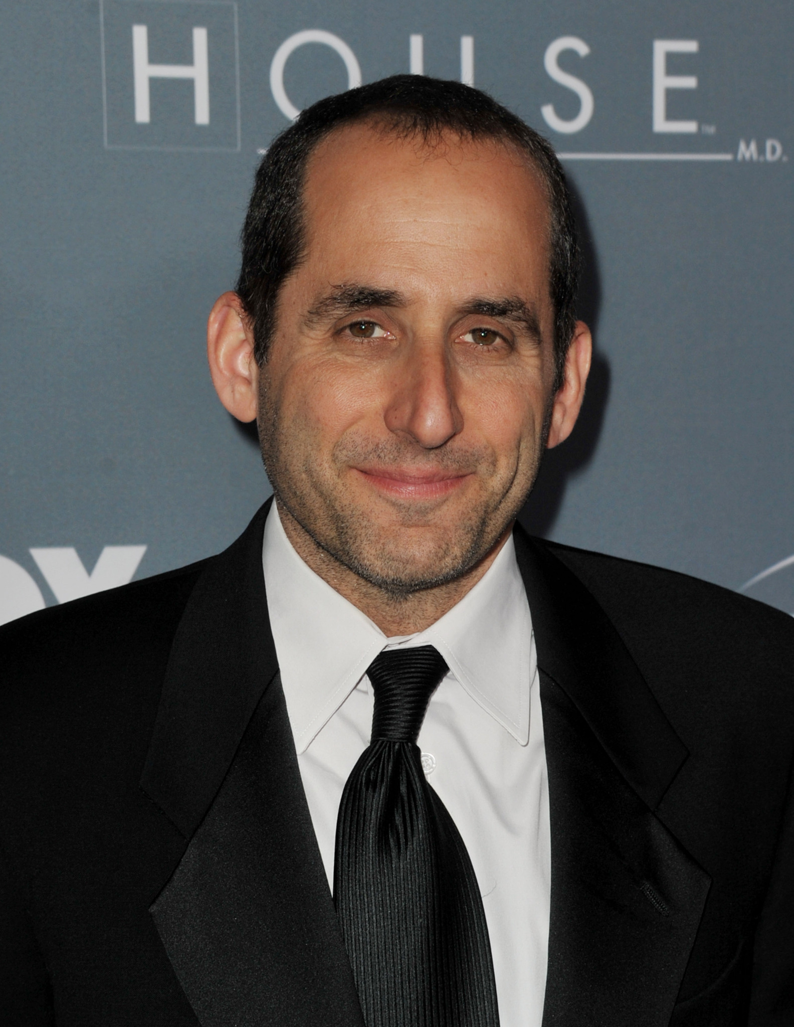 Peter Jacobson at an event for House M.D. (2004)