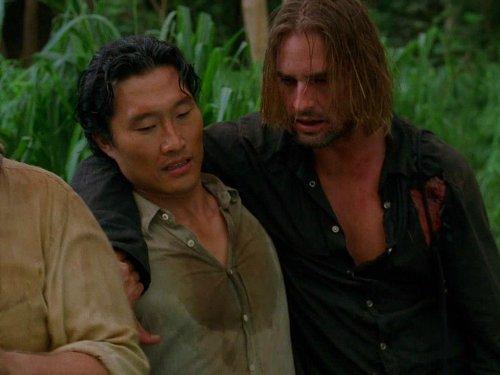 Daniel Dae Kim and Josh Holloway in Lost (2004)