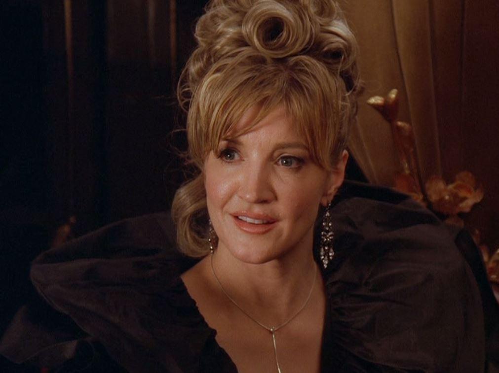 Crystal Bernard in Meet the Santas (2005)