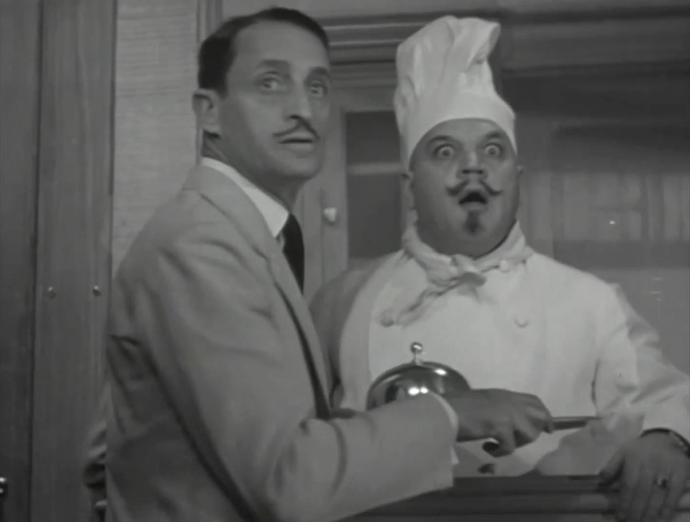 Leo White in I Am a Thief (1934)