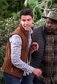 Cedric the Entertainer and Max Greenfield in The Neighborhood (2018)