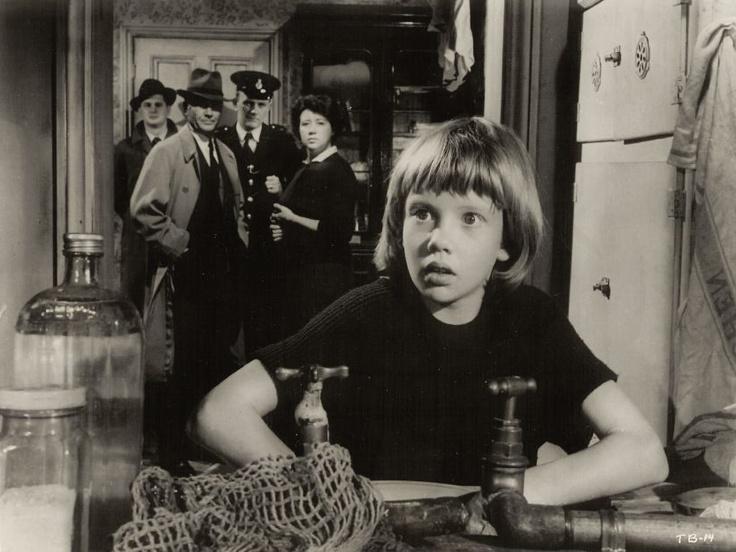 Hayley Mills, Megs Jenkins, and John Mills in Tiger Bay (1959)
