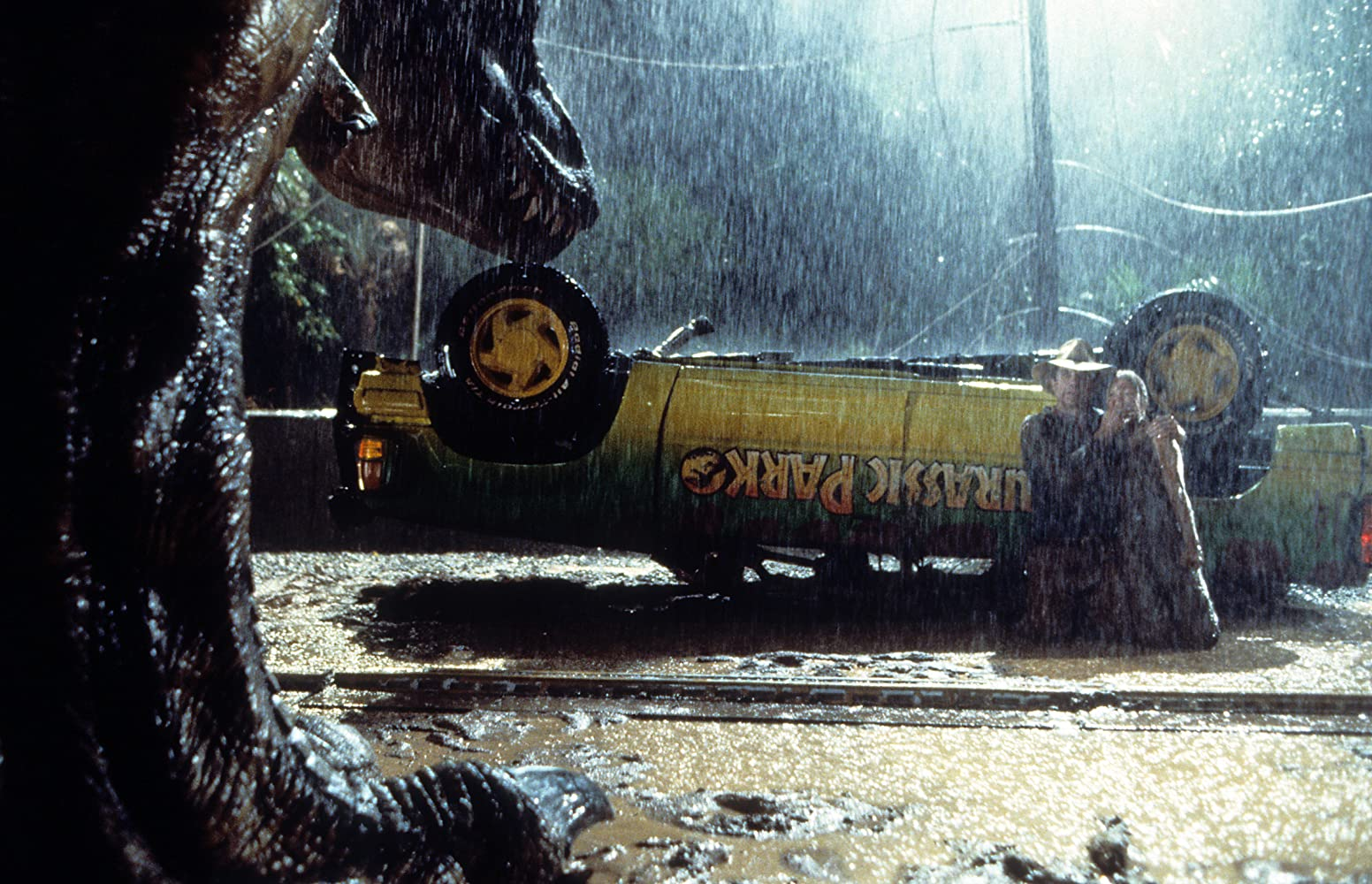 Sam Neill and Ariana Richards in Jurassic Park (1993)