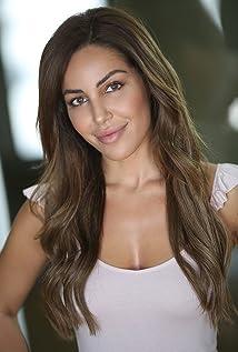 Sara Dastjani Picture